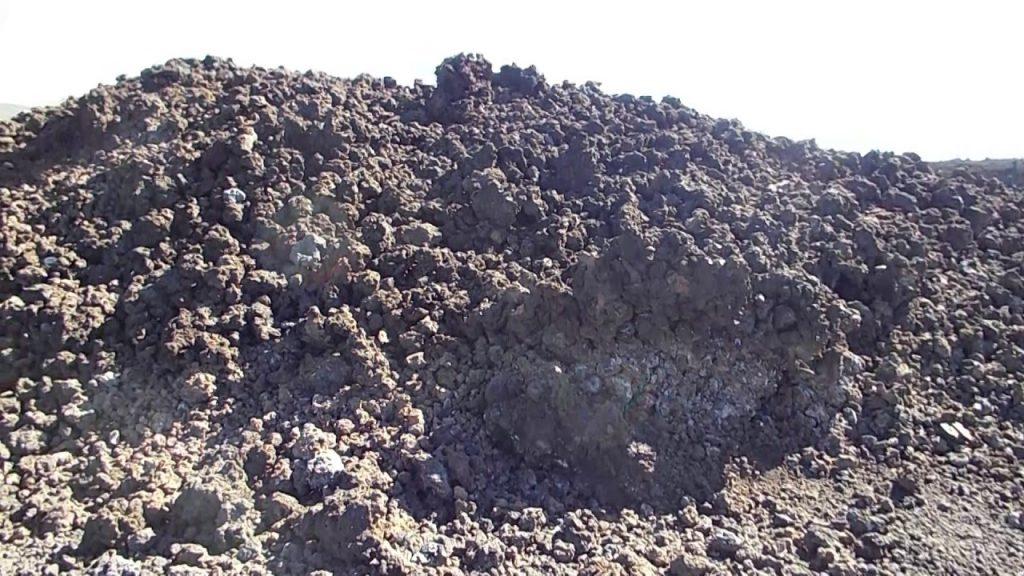 Maui activities Kahana Beach Resort see lava rock